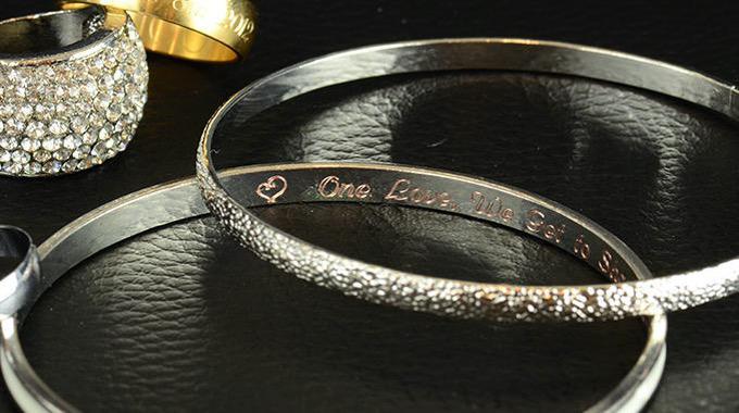 Gravographellas-Χάραξη σε κοσμήματα