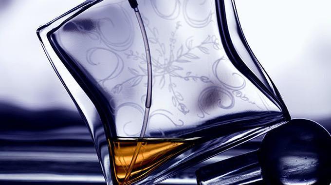Gravographellas-Χάραξη σε γυαλί